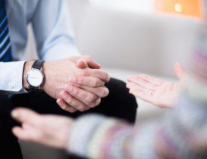 Persönliche Beratung vor Ort und 24/7 telefonische Soforthilfe für Mitarbeiter und Familien